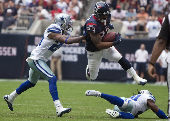 Arian_Foster_leaps