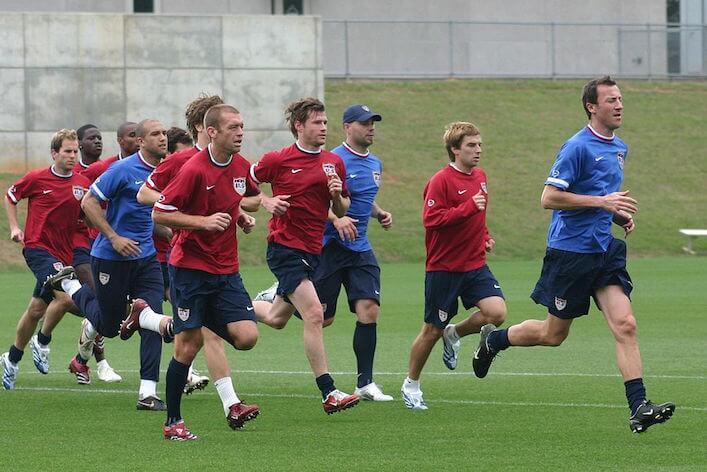 サッカー選手の有酸素性能力を測るテスト