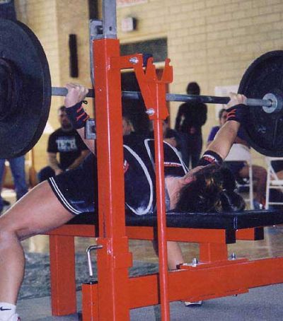 Jennie Hollier bench pressing